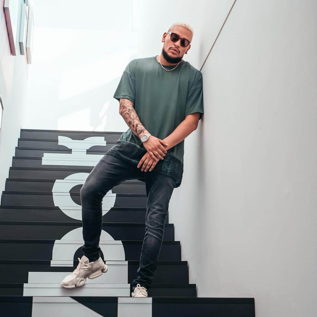 AKA launches his own app