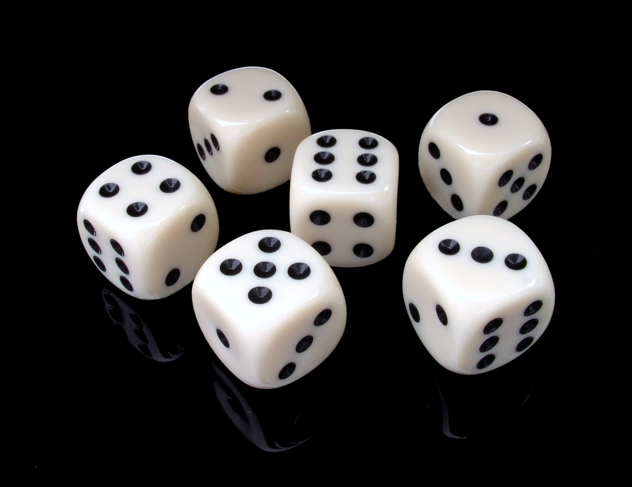 lotto-6-pieces-of-black-and-white-dice