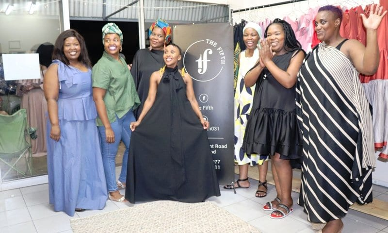 Six fashionistas jointly launch The Fifth clothing shop