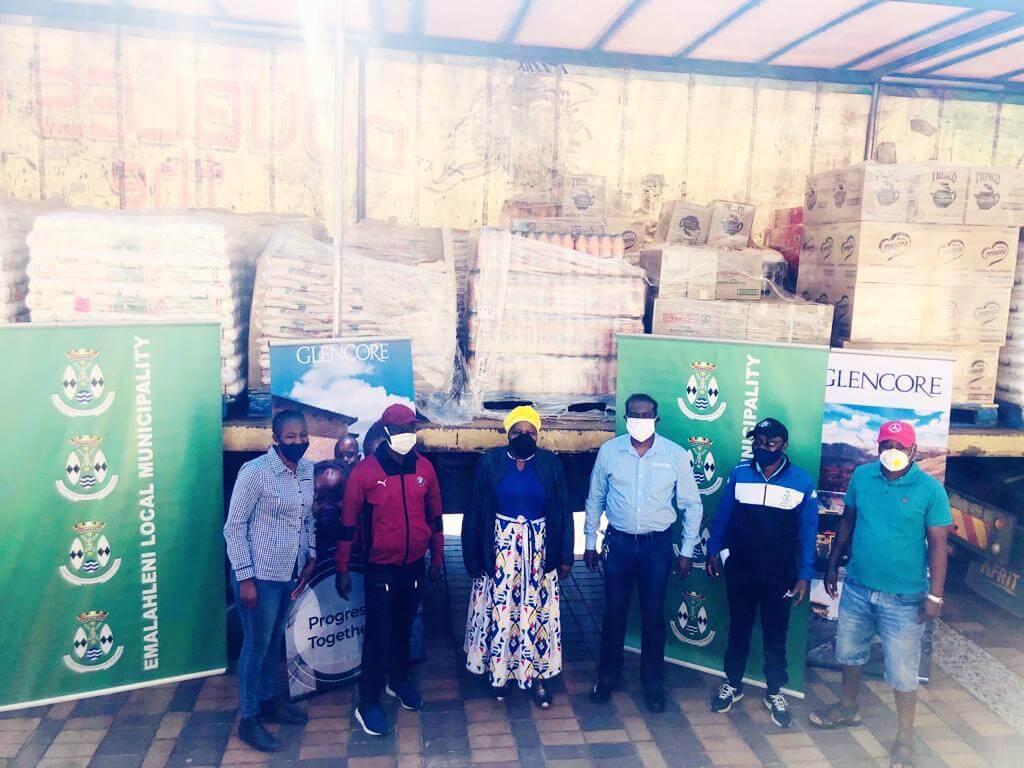 Food parcel donation to ELM