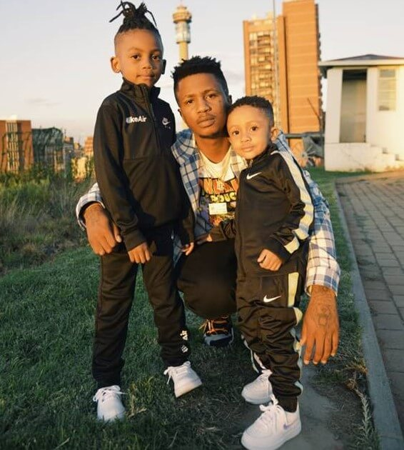 emtee and his family